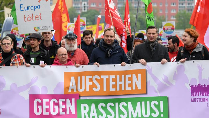 Kundgebungen am 1. Mai: Hunderte Rechte, Tausende Gegendemonstranten