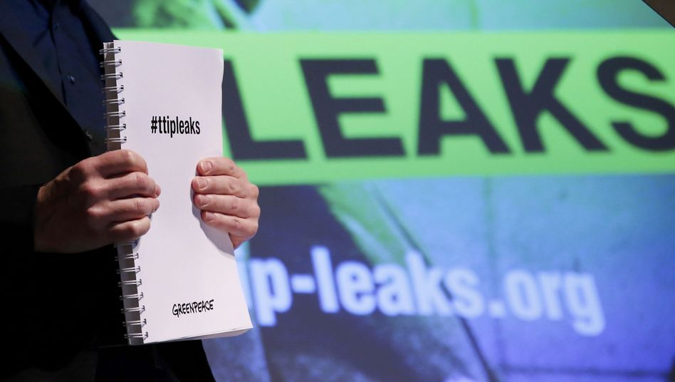 Greenpeace-Präsentation der TTIP-Dokumente