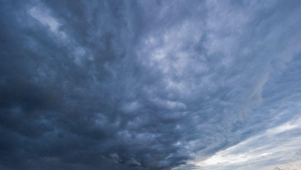 Regen, Hagel und Sturm: Orkanböen mit 120 km/h