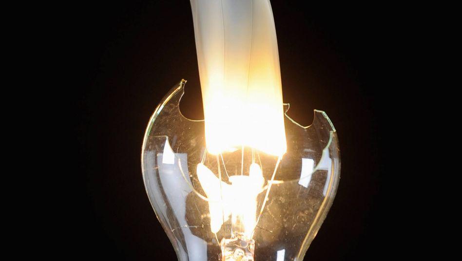 Zerbrochene Glühbirne: Auf Betriebstemperatur saufen