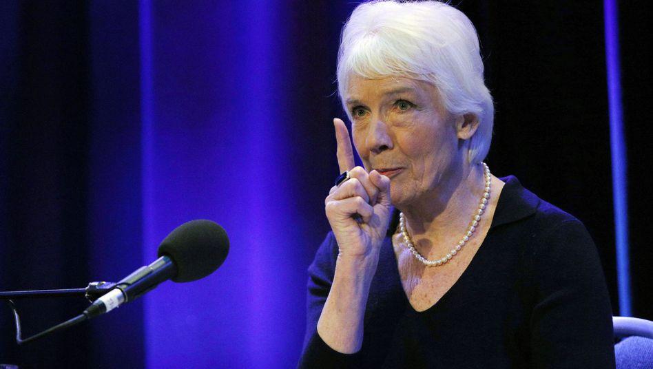 Janet Smith: Bericht zum Savile-Skandal in der BBC vorgelegt