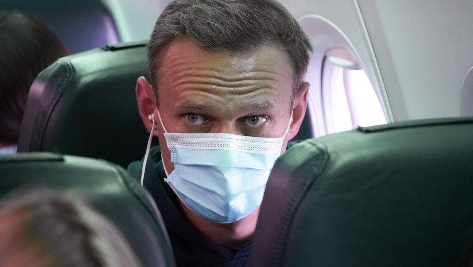 Alexej Nawalny beim Rückflug nach Russland am Sonntag