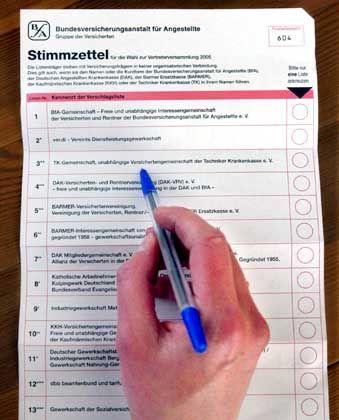 Stimmzettel: Noch bis zum 1. Juni können 46 Millionen Sozialversicherte wählen