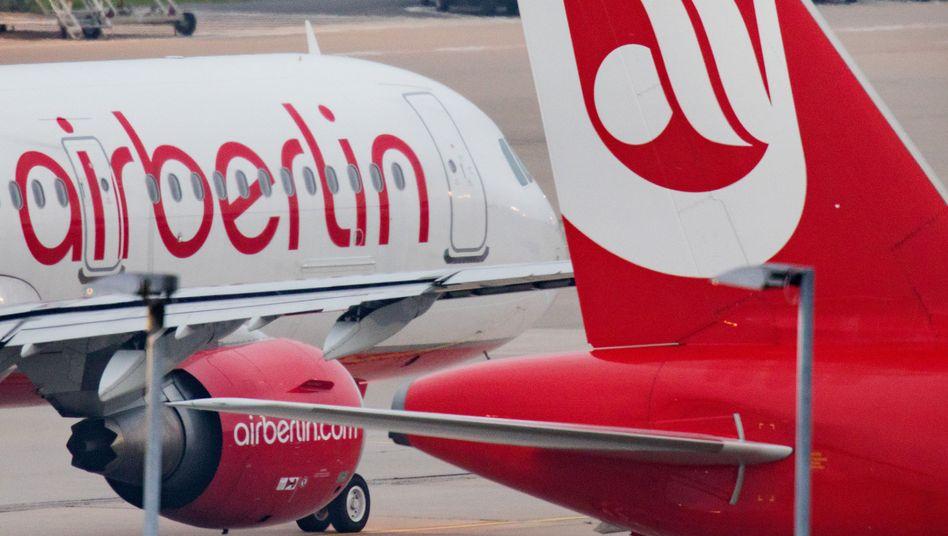 Flugzeuge von Air Berlin und Eurowings in Düsseldorf