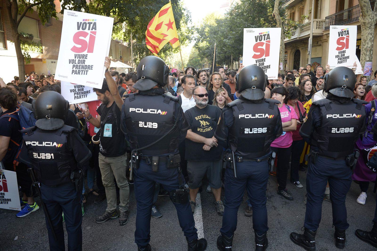 Unabhängigkeitsreferendum/ Spanien/ Barcelona/ Polizei