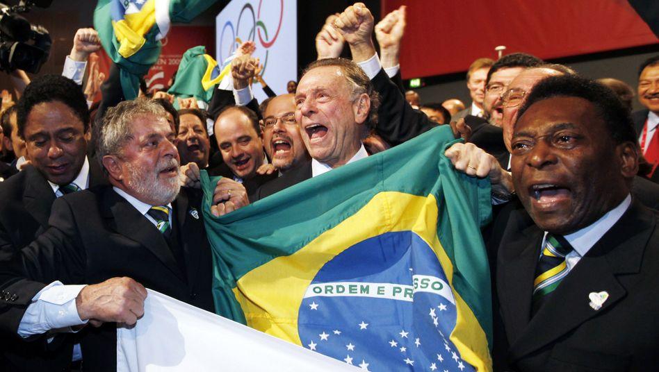 Brasiliens Präsident Lula (l.), Fußball-Legende Pelé (r.): Jubel in Kopenhagen