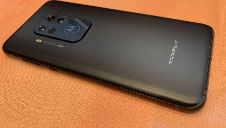 48-Megapixel-Vierfach-Kamera für 429 Euro: Motorola One Zoom