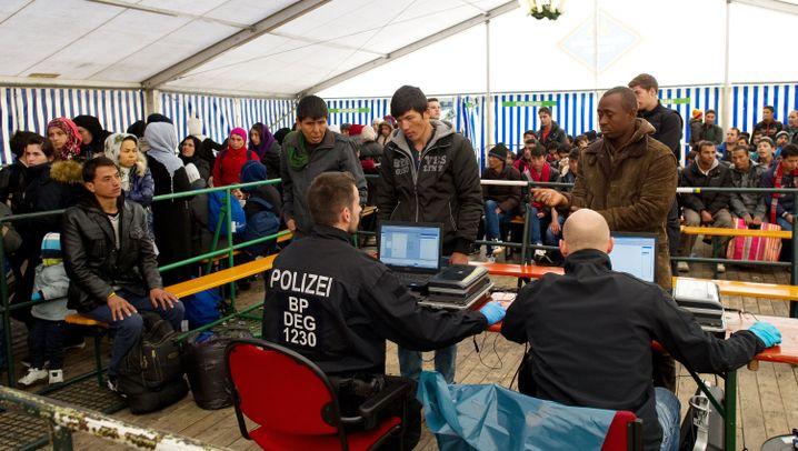 Passau: Versorgen, registrieren, weiterleiten