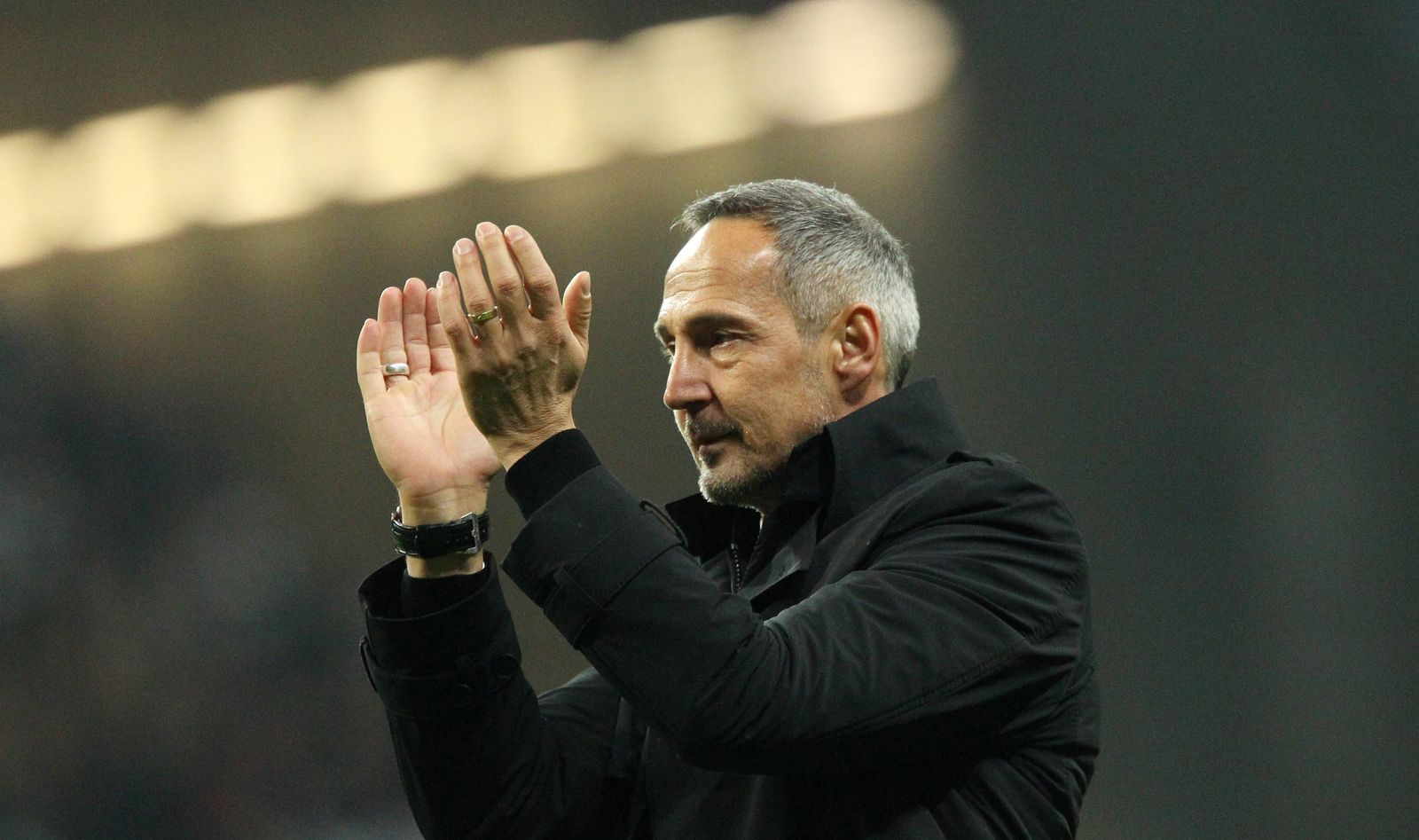 4 1 Sieg fuer Eintracht Frankfurt Adi Huetter Hütter Trainer Eintracht Frankfurt jubelt mit d