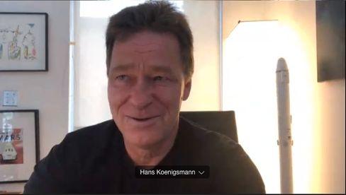 Die »Dein SPIEGEL«-Kinderreporter interviewten Hans Königsmann per Video-Chat.