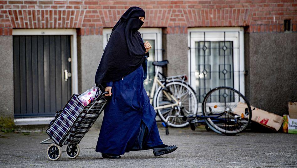 Verschleierte Muslimin in Rotterdam