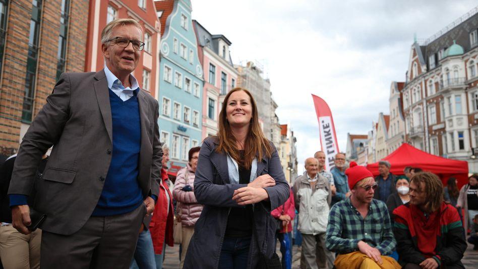 Linkenspitzenkandidaten Bartsch, Wissler beim Wahlkampf in Rostock