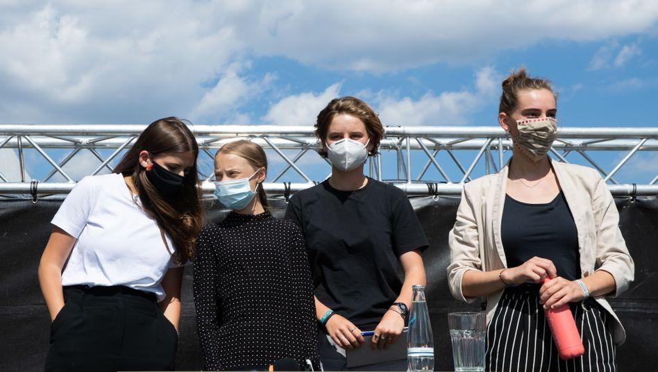 Klimaschützerinnen Luisa Neubauer, Greta Thunberg, Anuna de Wever und Adelaide Charlier