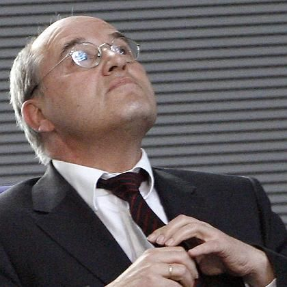 Gregor Gysi, seen here during Wednesday's Bundestag debate, is under pressure to resign over allegations he was a Stasi informer.