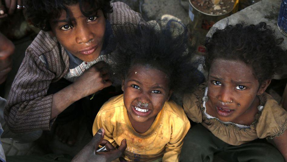 Geflohene Kinder aus der Hafenstadt Hudaida