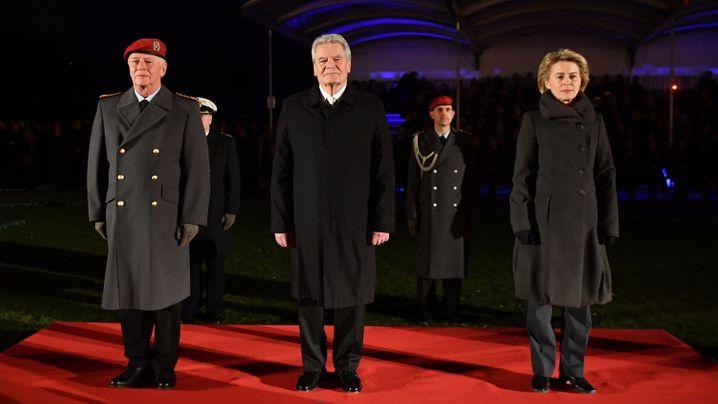 Bundespräsident: Gauck mit Großem Zapfenstreich feierlich entlassen
