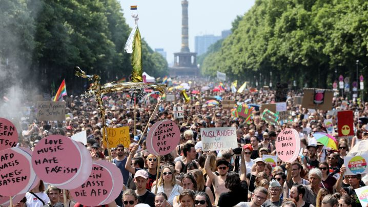 Demos für und gegen die AfD: Ein Hauch von Love Parade