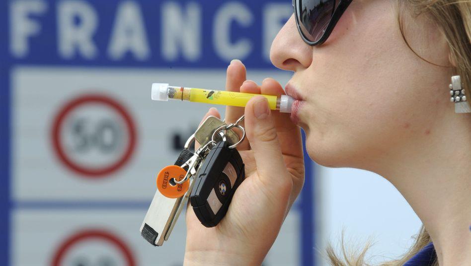 Alkoholtest: Bei 0,5 Promille sind in Frankreich bis zu 750 Euro fällig