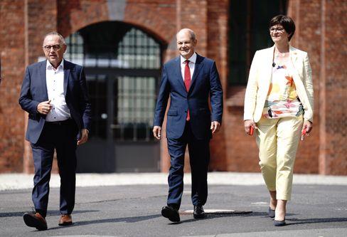 SPD-Troika 4.0: Norbert Walter-Borjans (l.), Olaf Scholz (m.), Saskia Esken (r.)