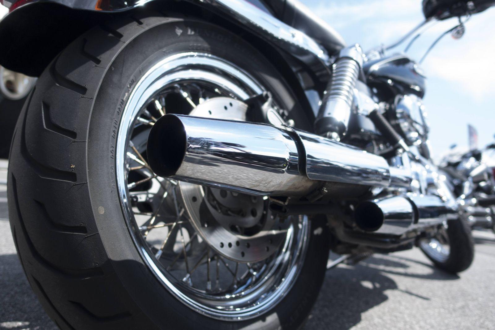 Exhaust system of a Harley Davidson PUBLICATIONxINxGERxSUIxAUTxHUNxONLY JWA000186