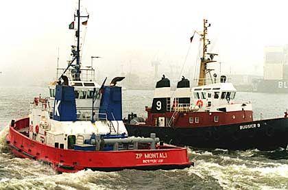 Im Hamburger Hafen tun die Schlepper tuten