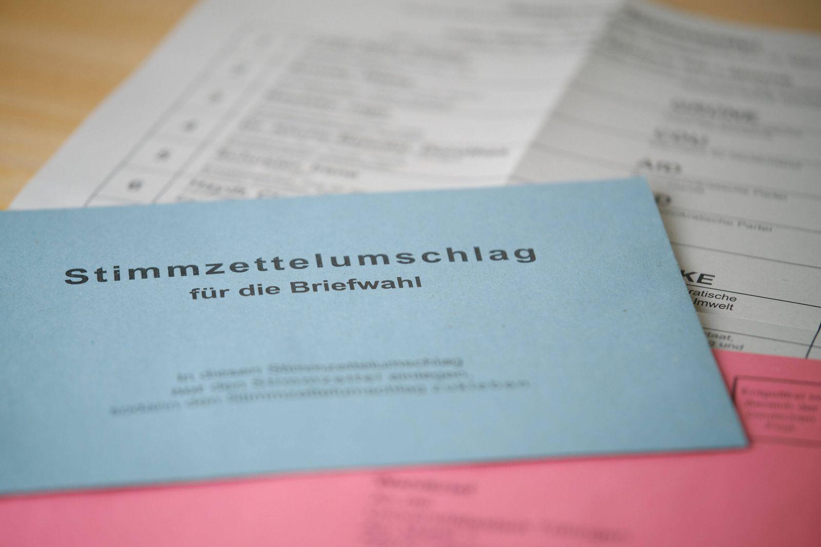 Briefwahlunterlagen Landtagswahl BW, 09.03.2021 Briefwahlunterlagen fuer die Landtagswahl in Baden-Wuerttemberg am 14.