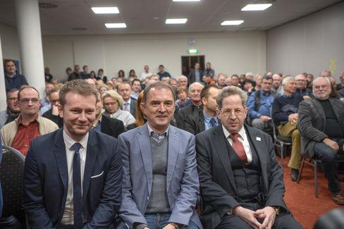 Christoph Bernstiel, der Vorsitzende der CDU Halle, Marco Tullner, und Hans-Georg Maaßen, ehemaliger Präsident des Verfassungsschutzes