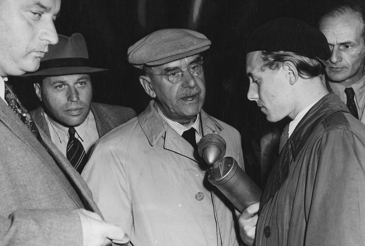 Thomas Mann am Mikrofon