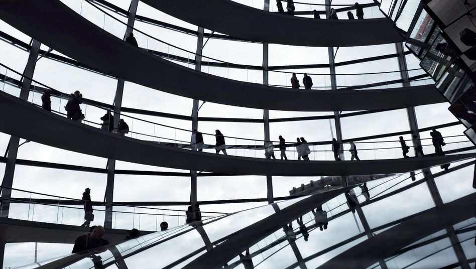 Glaskuppel über dem Bundestag: Wie sicher sind die Daten der Abgeordneten?