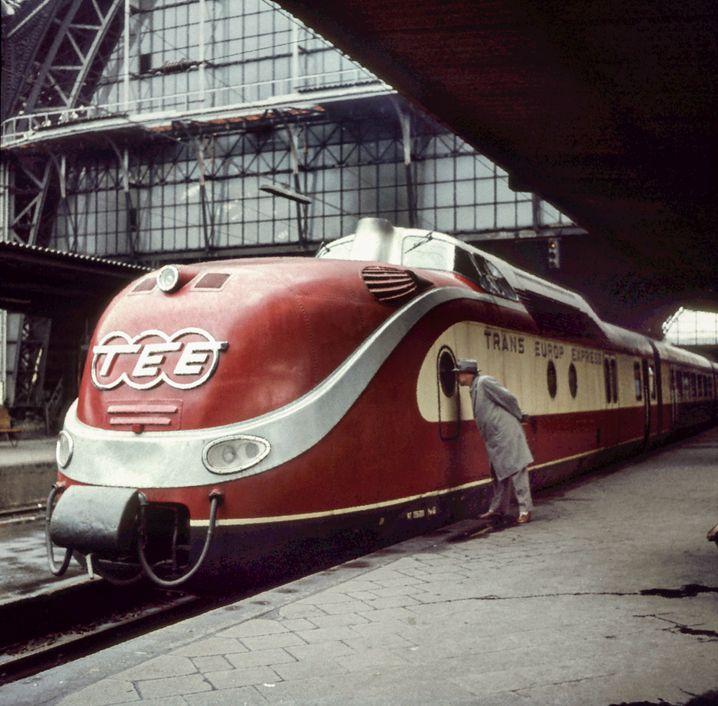 Historisches Bild: TEE-Zug in Frankfurt am Main