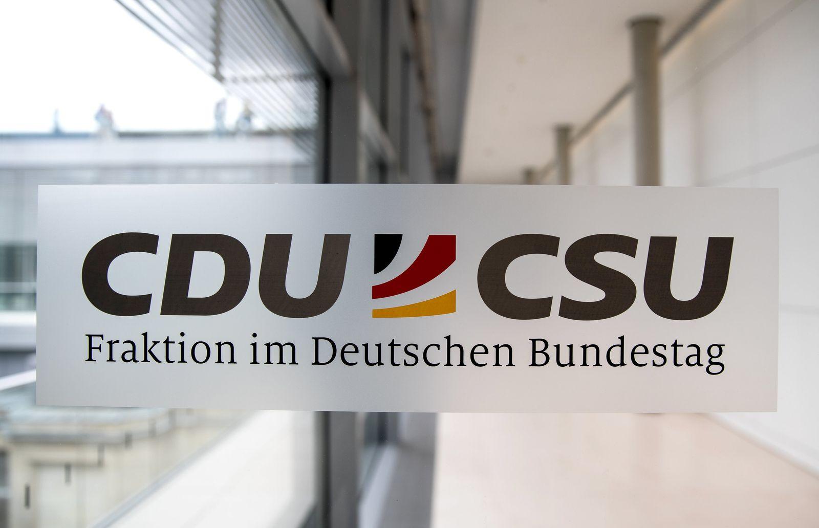 Maskenaffäre - CDU/CSU