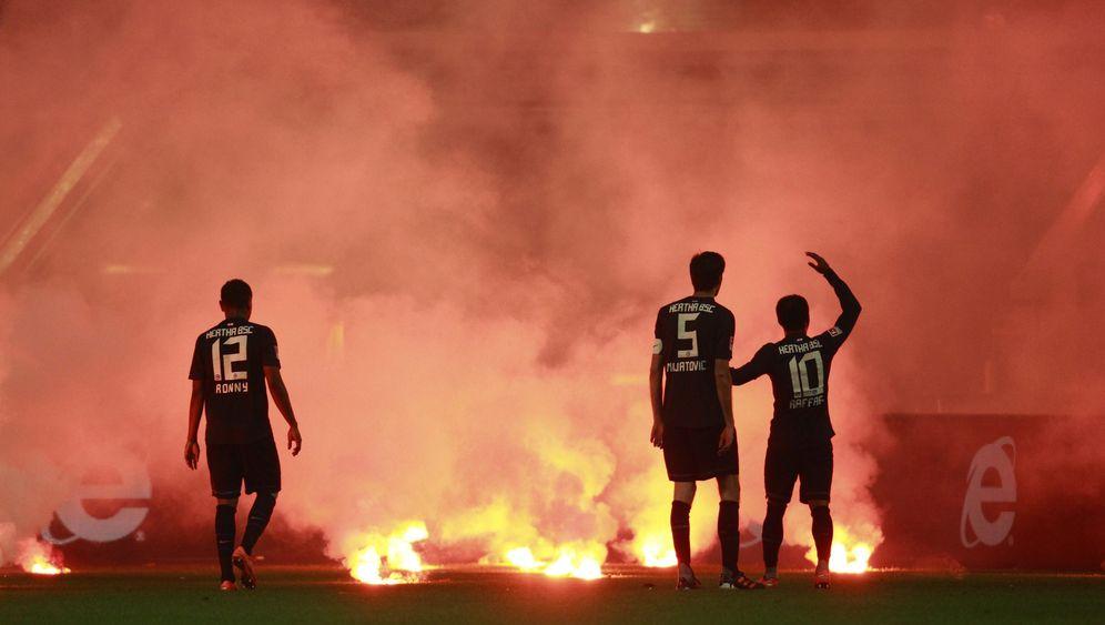 Relegationsspiel Hertha-Düsseldorf: Skandal auf dem Platz