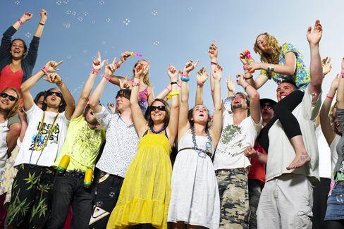 Sehr glücklich: In 40 Ländern nehmen Glück und Zufriedenheit stetig zu