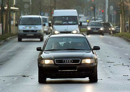 Abblendlicht tagsüber: Nach dem Willen des Bundesverkehrsministers ab Oktober auf allen Straßen