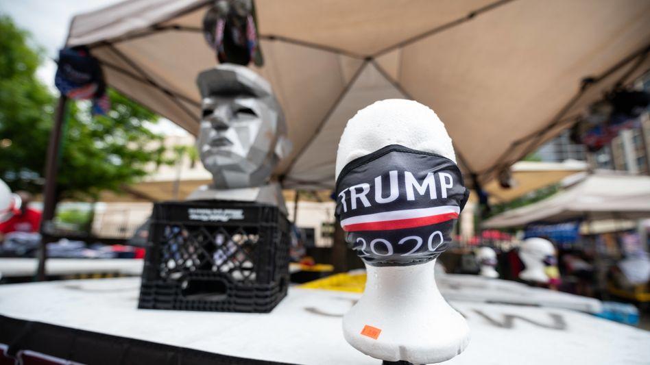 Mundschutz für Trumps Wahlkampfauftritt in Tulsa