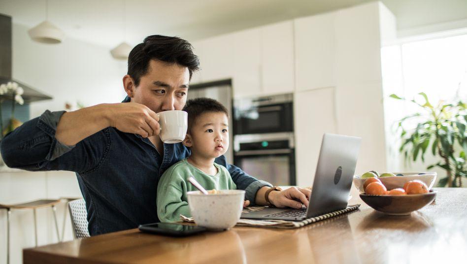 Homeoffice: Arbeiten und dabei kleine Kinder betreuen ist eine besondere Herausforderung
