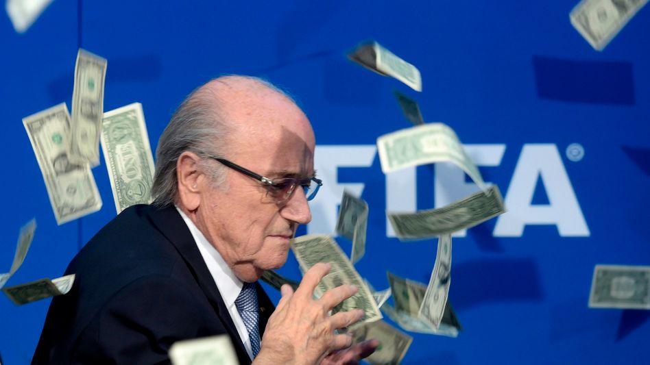Ex-Fifa-Boss Joseph Blatter im Geldregen