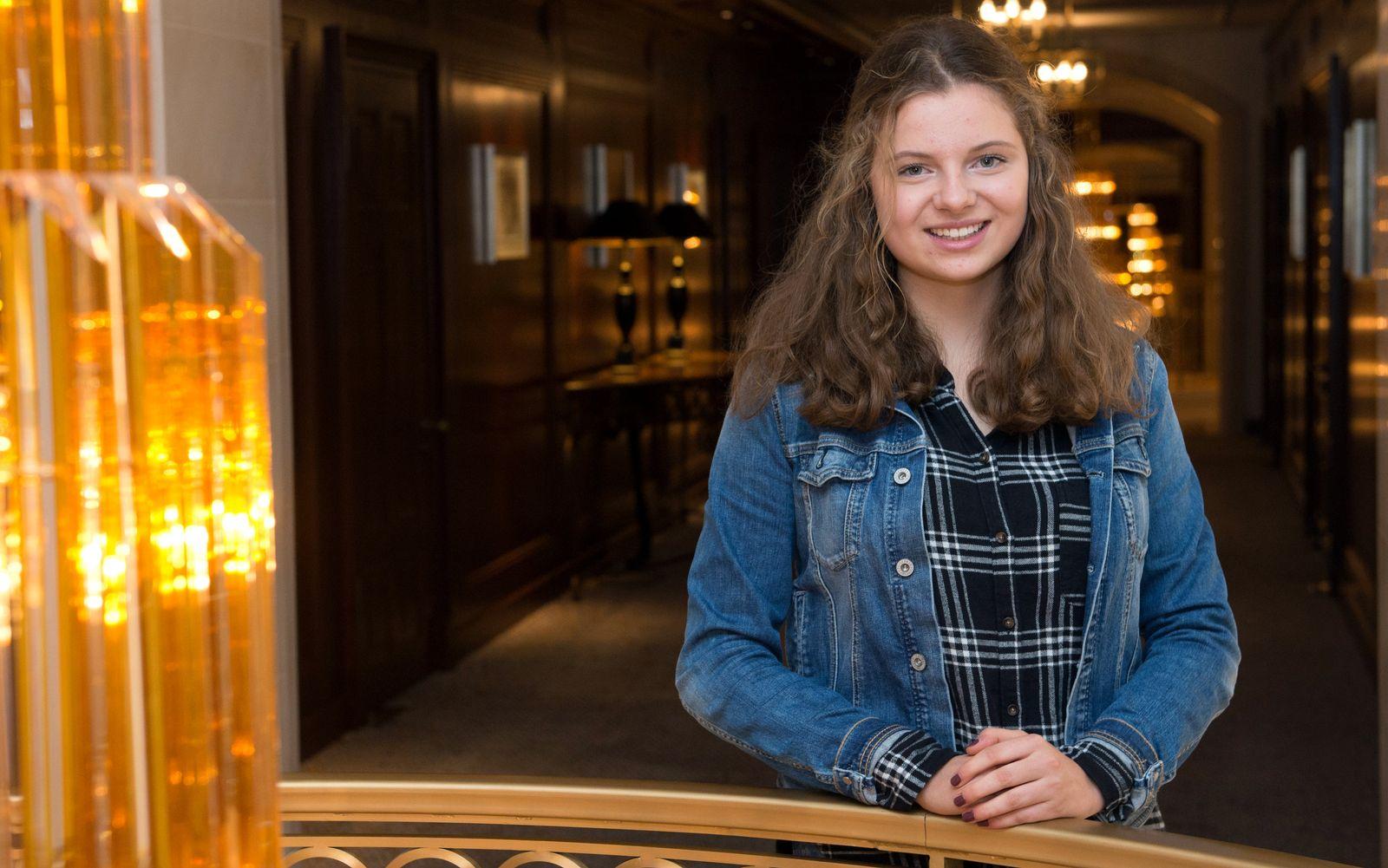 Schülerin erhält Preises für ihre Zivilcourage