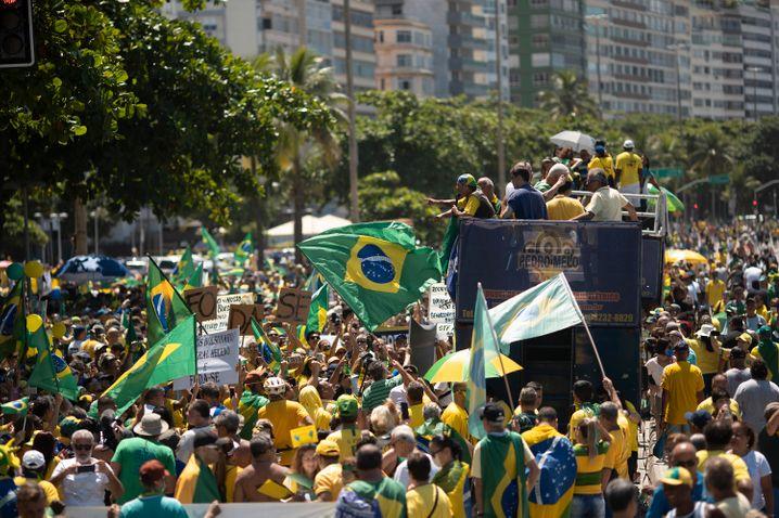 Trotz der Bedrohung durch das Coronavirus demonstrierten in Brasilien Bolsonaro-Anhänger am Wochenende gegen den Kongress