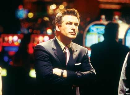 Kasinochef Shelly (Alec Baldwin): Jeder glaubt, noch ein As in der Hinterhand zu haben