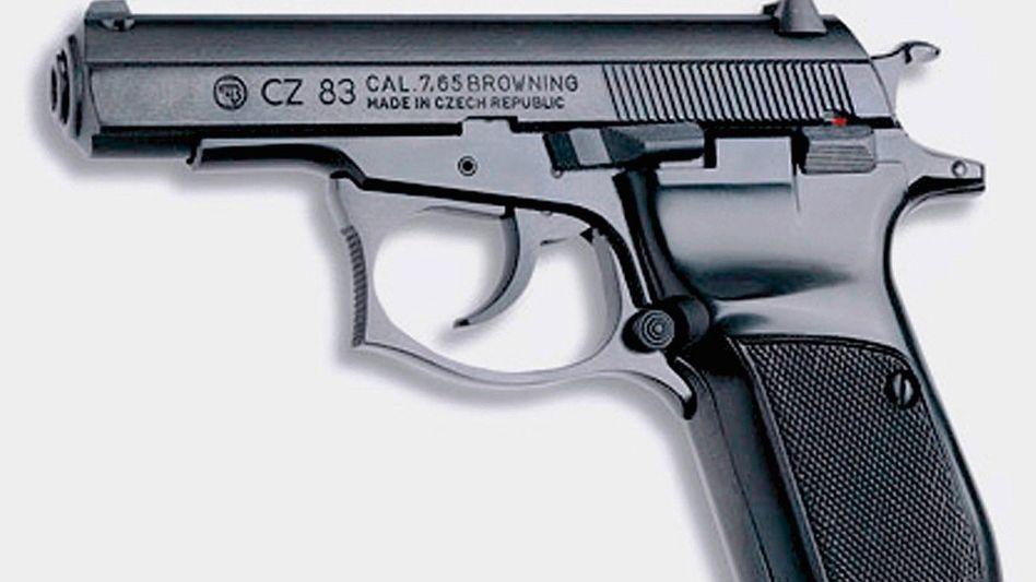 Pistole Ceska, Typ 83: Rechnung für Schulden, Rache an Abtrünnigen