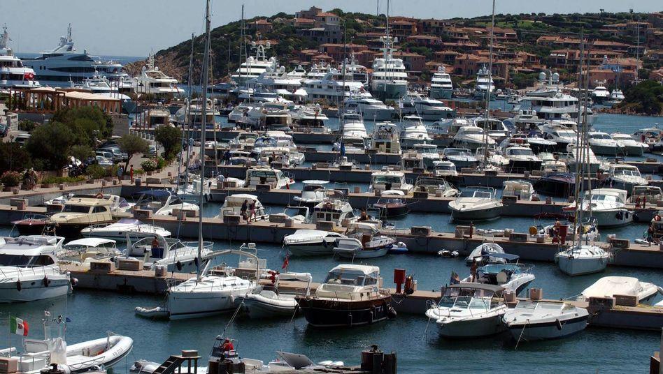 """Yachthafen in Porto Cervo: """"Zahlen Sie lieber 120 Euro mit Rechnung oder 80 ohne?"""""""