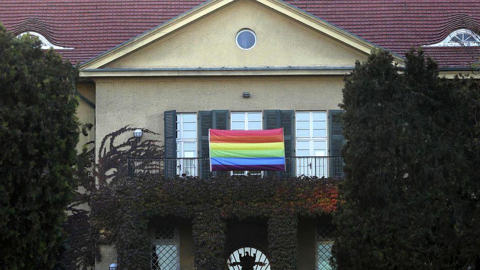 Solidaritätsbekundung an der deutschen Botschaft in Ankara