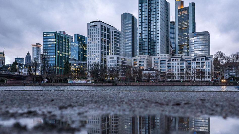 Banken in Frankfurt am Main: Vor allem kleinere Institute leiden