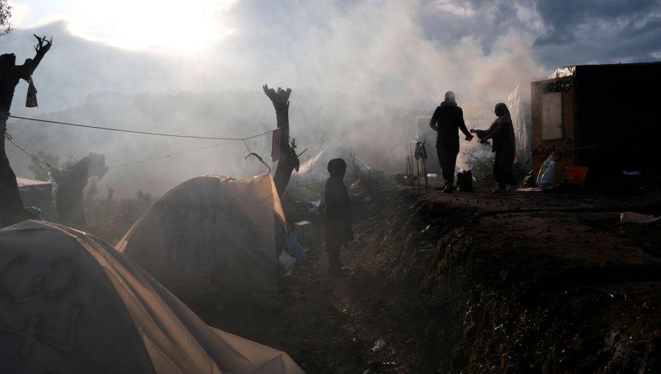 Überfülltes Flüchtlingscamp Moria auf der griechischen Insel Lesbos (Archivbild)