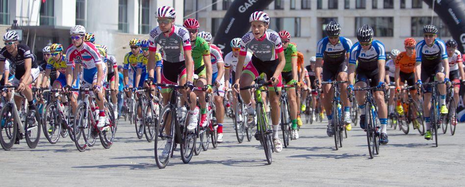 Volksradrennen Velothon in Berlin 2013: Bunte Mischung an Teilnehmern