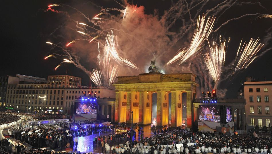 The Brandenburg Gate in all its glory on Monday night.