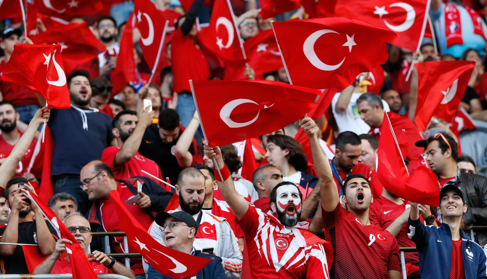 Türkische Fans/ Fussball/ Türkei
