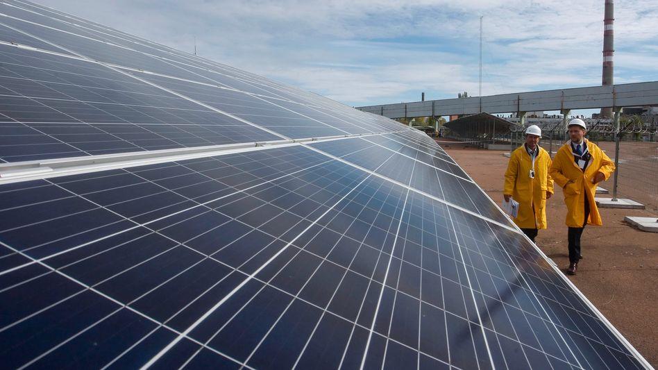 Fotovoltaik-Anlage nahe Tschernobyl in der Ukraine