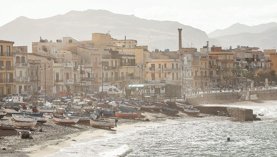 The City of Bagheria in Sicily: Lagging far behind its potential
